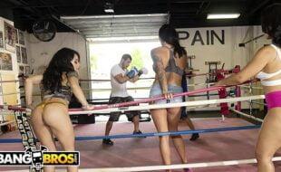 Nudelas sexo na academia de boxe com vadias